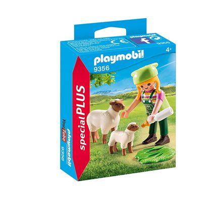 Granjera con ovejas - 30009356