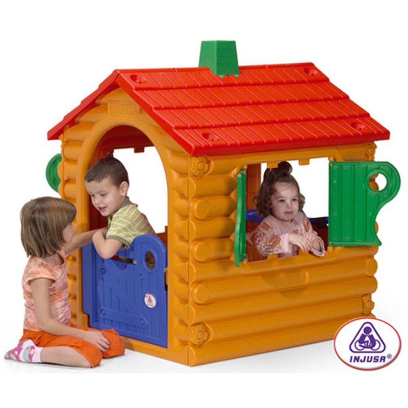Casa de troncos the hut for Casa de plastico para jardin