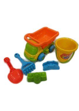 Camión con cubo y accesorios para la arena